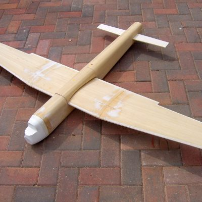 Foam veneered wings and fuselage